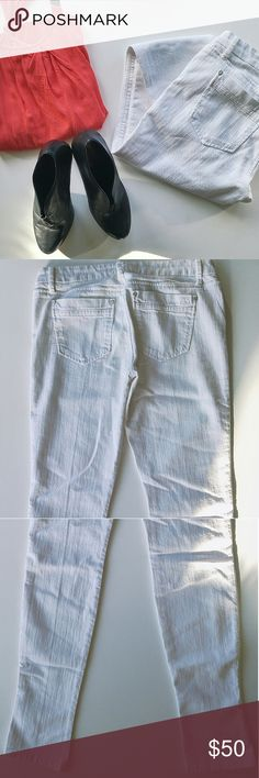 Joe's 'Chelsea' Ultra Slim Jeans (white) Size 29. Ultra slim without much give. Not true to size if you are curvy. Mid-rise. Very good condition. No stains that I can see.These were actually Poshmark purchase that did not fit, although the style was nice. Joe's Jeans Jeans Skinny