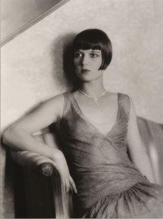 Louise Brooks, 1925 (dress by Jean Patou?)