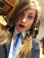 Women Ties, Suits For Women, Female Pictures, Blue Ties, Suit And Tie, Business Women, Selfie, Facial Expressions, How To Wear