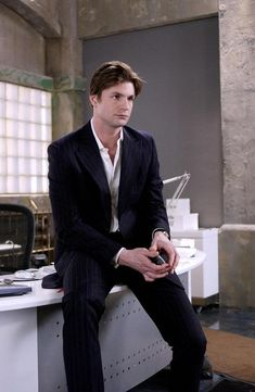 queer as folk, brian kinney, gale harold, Adult_Viggo Yahoo group photo gale_adult_viggo_ygroup-1.jpg