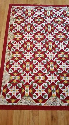 Awesome Bonnie Hunter Scrappy Quilts Inspirations Bonnie hunter scrappy quilts ideas Pick More Snazzy Bonnie Hunter Scrappy Quilts Inspiratio Quilting Tutorials, Quilting Designs, Star Quilt Blocks, Bonnie Hunter, Quilt Festival, Vintage Sewing Machines, Traditional Quilts, Hexagon Quilt, Scrappy Quilts