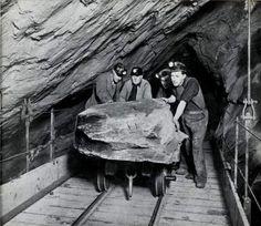 "Miners underground at Oakeley Quarry, Blaenau Ffestiniog, from ""Caban"" staff magazine Nov 1954 and ""AditNow"""