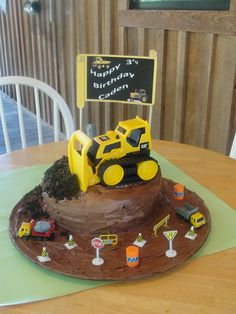 This is the cake i made for my three year old's birthday today, what a hit!