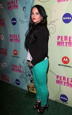 Joanna JoJo Levesque in jeans at Perez Hiltons 34th Birthday Bash-03.jpg (760×1216)