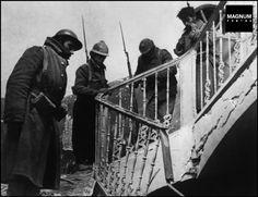 Aragon front. Battle of Teruel. Republican soldiers. December 1937-January 1938//Robert Capa