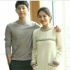 regram @kdramasmx Se casaran  encerio no me lo creo  les deseo toda la felicidad del mundo . . Un legendario romance de K-drama se está convirtiendo en realidad!  Ahora se ha anunciado que la pareja coreana de ensueño conformada porSong Joong Kiy Song Hye Kyo se va a casar en octubre.  Las agencias de los dos coprotagonistas del drama de 2016 Descendants of the Sun Blossom Entertainment y United Artists Agency (UAA) emitieron una declaración conjunta el 5 de julio.  Dice lo siguiente: Hola…