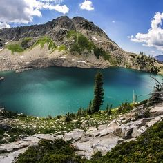 Just about 5 miles (2-2.5 hrs) from the trailhead, you will find the beautiful White Pine Lake where the water is an intense blue color.