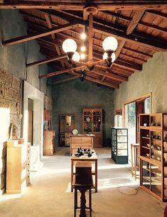 pejite 店内 Modern Japanese Interior, Asian Interior, Modern Interior, Interior Styling, Interior Design, Gallery Cafe, Thai House, Bokashi, Ethnic Decor