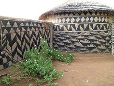 Burkina Faso History | Description Tiebele traditional house decoration Burkina Faso.jpg