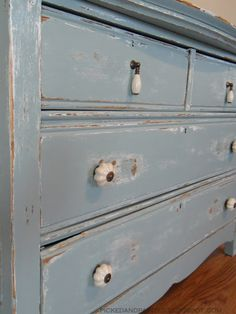Picked & Painted: blue furniture
