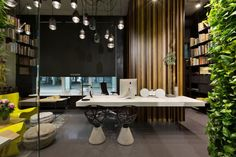 Office and Showroom by Sergey Makhno