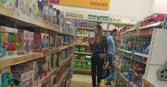Suzane von Richthofen é flagrada  fazendo compras em shopping