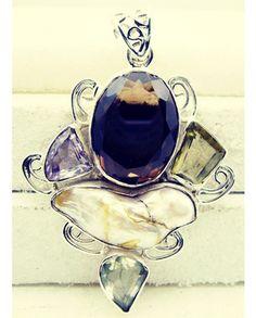 #instavid #beautiful #zaynmalik #ring #heart #gift #silverpendant #pendant #silver #gemstone #pearl #of #mother #handmade #gems #jewelry #riyo #model #flowers #jewelrymanufacturer