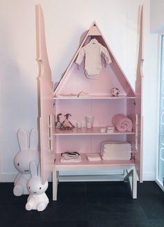 Eigenzinnige Kast voor babykamer en kinderkamer, serie Durgerdam.