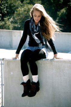 Outfits with Leggings and Boots | Cute Winter Outfits With Leggings And Boots