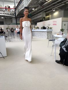 3e0d026fbfc This is Poppy Dover s gorgeous Bow Bounce dress. National Wedding Show