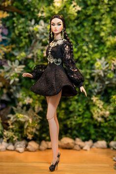 "https://flic.kr/p/Pp9Qpf | Aquatalis "" GOLD GLAM HOLIDAYS "" by AlexNg | Please visit our ETSY Store for ordering :   www.etsy.com/shop/Aquatalis   Model: Joyous Celebration Poppy Parker Photo by QuanaP Outfit by AlexNg"