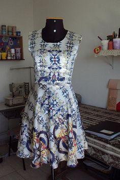 vestido de cetim    Curta, repasse, compartilhe !