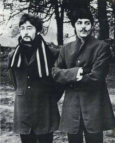 : : The Beatles Fans Beatles Guitar, The Beatles, I Am The Walrus, John Lennon Paul Mccartney, Music Genius, Strawberry Fields Forever, Sgt Pepper, Beatles Photos, The Fab Four