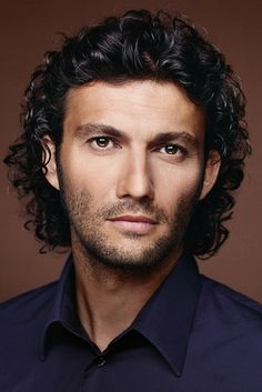 Jonas Kaufmann | 33 Opera Hunks Who Need To Serenade You Right Now  - Umm...why didn't I continue with opera?!?