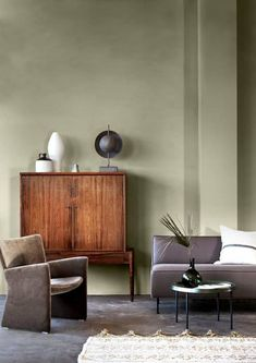 Enkel fornyelse: Nå kan du lett male over glassfiberstrien - Byggmakker. Home Bedroom, Bedroom Decor, Jotun Lady, Green Painted Walls, Green Apartment, Feng Shui, Ikea, Green Rooms, Wall Colors