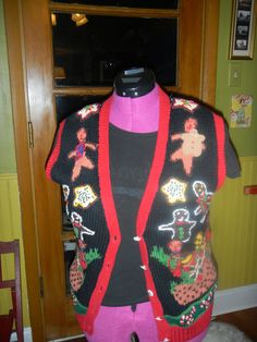 Baking Christmas Gingerbread Man Cookies UGLY TACKY sweater vest size Small