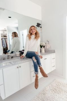dani austin bathroom organization tips Brown Chelsea Boots Outfit, Brown Ankle Boots Outfit, Beige Ankle Boots, Ankle Boots With Jeans, Winter Boots Outfits, Fall Outfits, Fashion Outfits, Stylish Outfits, Brown Boots Outfit Winter