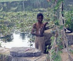 https://flic.kr/p/7L3561 | India, Kerala, Kumarakom | The residents use the rivers and canals for daily bathing.