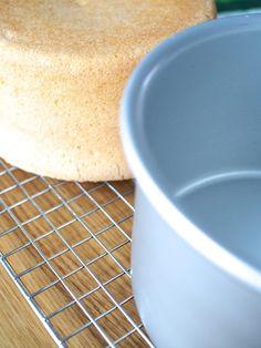 Täydellinen Sokerikakkupohja - Ohje+Muistilista | Annin Uunissa Delicious Cake Recipes, Yummy Cakes, Cake Fillings, Easy Baking Recipes, Frosting Recipes, No Bake Cake, Eat Cake, Cake Decorating, Sweets