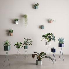 FERM LIVING - Plant Holder - Black