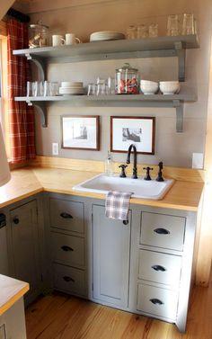 Gorgeous 50 Tiny House Kitchen Design and Storege Ideas https://decoremodel.com/50-tiny-house-kitchen-design-storege-ideas/