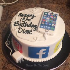 iPhone and social media cake! (Facebook, Instagram, snapchat) Facebook.com/sugarontopcakes Sugarontopcakesandsweets.com Boys 18th Birthday Cake, Birthday Cakes For Teens, 13th Birthday, Teen Cakes, Cakes For Boys, Girl Cakes, Creative Birthday Cakes, Creative Cakes, Instagram Cake