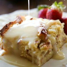 Tres Leches Bread Pudding w/Vanilla Cream Sauce: this bread pudding is AMAZING! The Vanilla Cream Sauce is out of this world yummy! Low Carb Dessert, Dessert Bread, Eat Dessert First, Mexican Food Recipes, Sweet Recipes, Weight Watcher Desserts, Cream Sauce Recipes, Comida Latina, Think Food