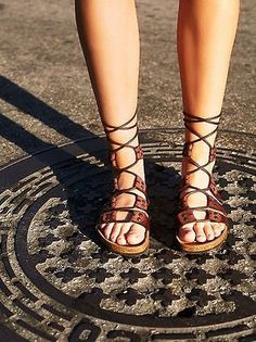 Free People Jeffery Campbell  Pasadena Lace Up Footbed Sandals sz 38 US 7.5