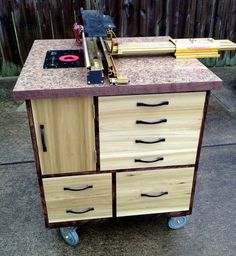 New Router Table with dust router, Incra, and JessEm Lift