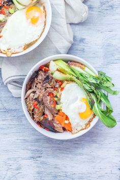 Japanese roast duck legs are shredded and served over sticky rice with pak choi, chilli and perfectly soft fried egg for a tasty dinner all in one bowl! Chilli Recipes, Duck Recipes, Vegetarian Recipes Easy, Healthy Recipes, Delicious Recipes, Fall Dinner Recipes, Summer Recipes, Japanese Duck Recipe, Roast Duck