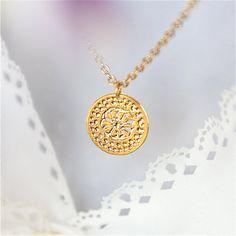 Goldkette Blume Halskette zierliche Halskette von KelkaJewelry