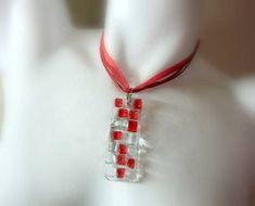 Conjunto de Bijuteria de Vidro incolor/ vermelho pingente c/ torçal encerado e organza vermelho- 45 cm c/ extensor anel base niquel n 20 -  par de brincos  MAIS BIJUTERIAS DE VIDRO EM :  http://www.elo7.com.br/glassbijoux/ . . . R$ 44,00
