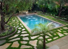 Formal Garden Design Ideas - Swimming pool and fountain.