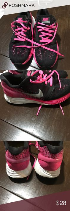 Youth Nike lunarlon Nike lunarlon color black, pink and white.  Slight used but still in great condition smoke-free home no holes no tears feel free to ask questions Nike Shoes Athletic Shoes