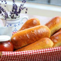 Worstenbroodjes, Ik heb lang gezocht naar een goed recept en dat is met worstenbroodjes nogal een opgave. Maar het is gelukt!!