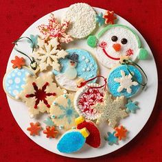 How to decorate dazzling Christmas cookies! Click for techniques.