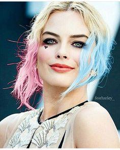 Margot gat the Harleys ruin