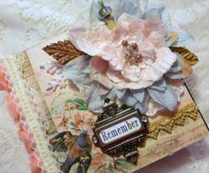 MOMZ Shabby Vintage Premade Chipboard Mini Scrapbook Album *Adriana*