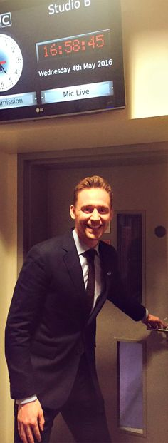 """""""Actor Tom Hiddleston joins us on BBC World Global to talk about his work for UNICEF"""" https://twitter.com/olivia_lang/status/727892642948915203"""