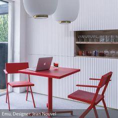 Rote Möbel im Esszimmer? Richtig kombiniert setzen rote Möbel gleichermaßen aufregende und behagliche Akzente und fördern so eine angenehme Wohnatmosphäre.…