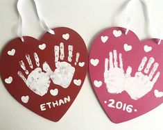 day crafts for preschoolers hand print Valentines Day Hand print - Family/Kids Craft - Kids Craft - DIY Kit - Create your own - Hand print craft - Hand-print Valentine - Heart Preschool Valentine Crafts, Kinder Valentines, Valentines Day Party, Baby Crafts, Valentine's Day Crafts For Kids, Craft Projects For Kids, Mothers Day Crafts, Craft Kids, Valentines Bricolage