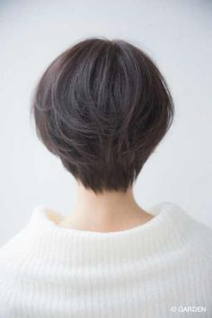 Well, one of the most trendy haircuts this year is the pixie haircut. Short Hair Tomboy, Asian Short Hair, Girl Short Hair, Short Hair Cuts, Tomboy Hairstyles, Bob Hairstyles For Fine Hair, Blonde Bob Haircut, Pixie Haircut, Pixie Cut