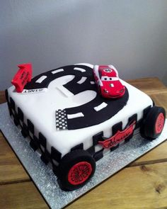 Lightning McQueen Cars Birthday Cake with track shaped like number three. Bithday Cake, 3rd Birthday Cakes, Gateau Flash Mcqueen, Car Shaped Cake, Cars Cake Design, Lightning Mcqueen Cake, Homemade Baby Foods, Cake Decorating Tips, Cakes For Boys