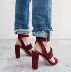 BLOCK HEAL Amazing red suede heeled shoes with strap. Fall/winter 2016.